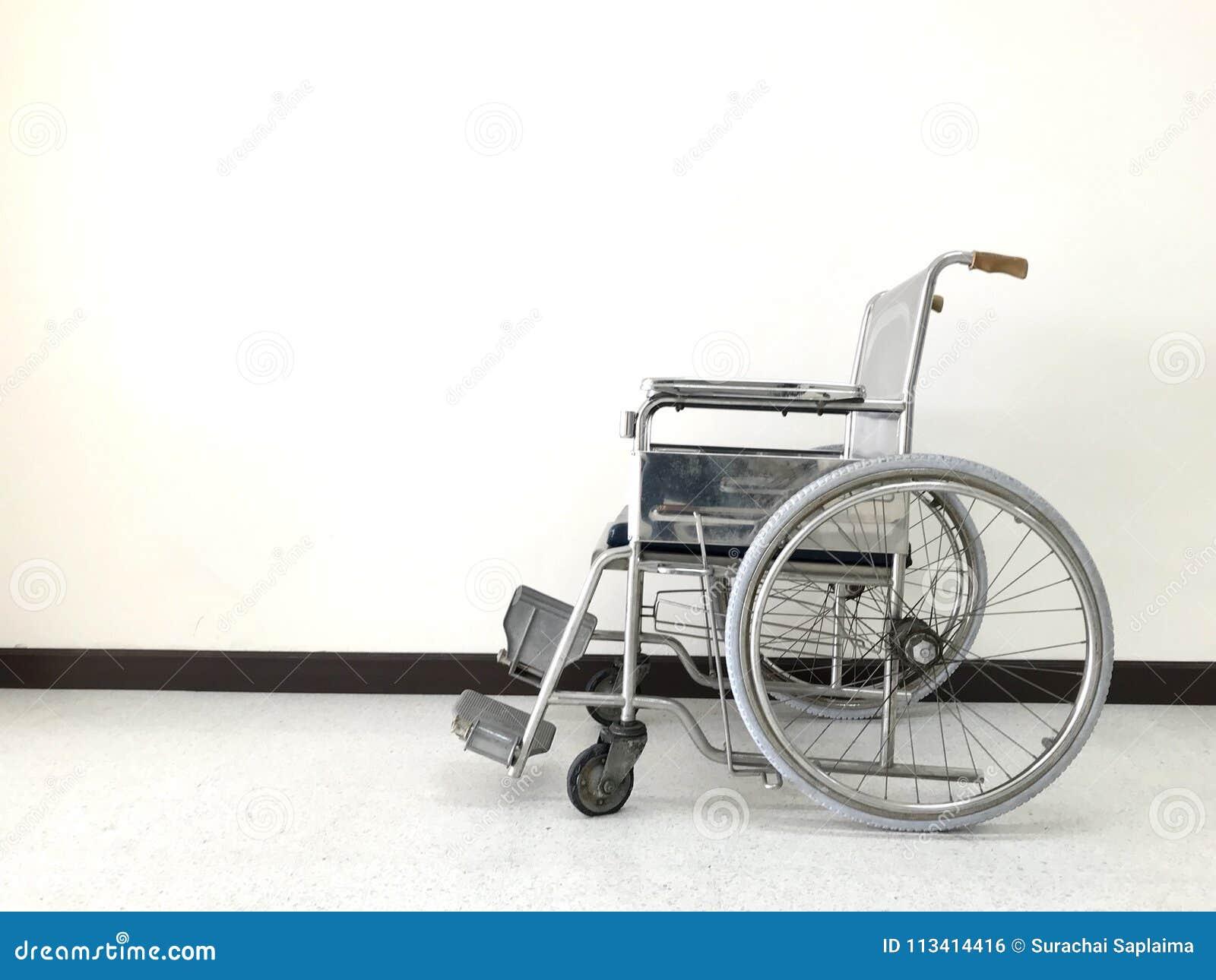 кресло коляска стоковое фото изображение насчитывающей