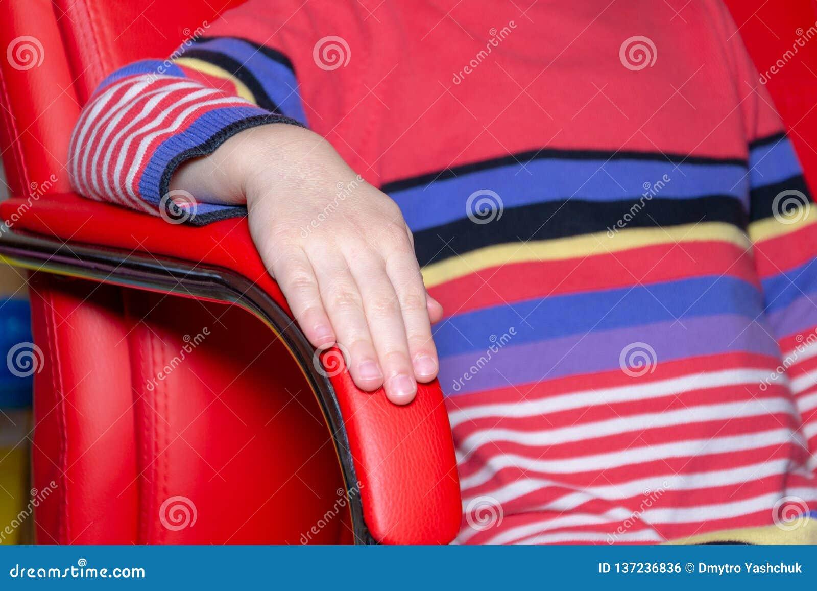 Кресло цвета, современный дизайнерский стул на стуле текстуры