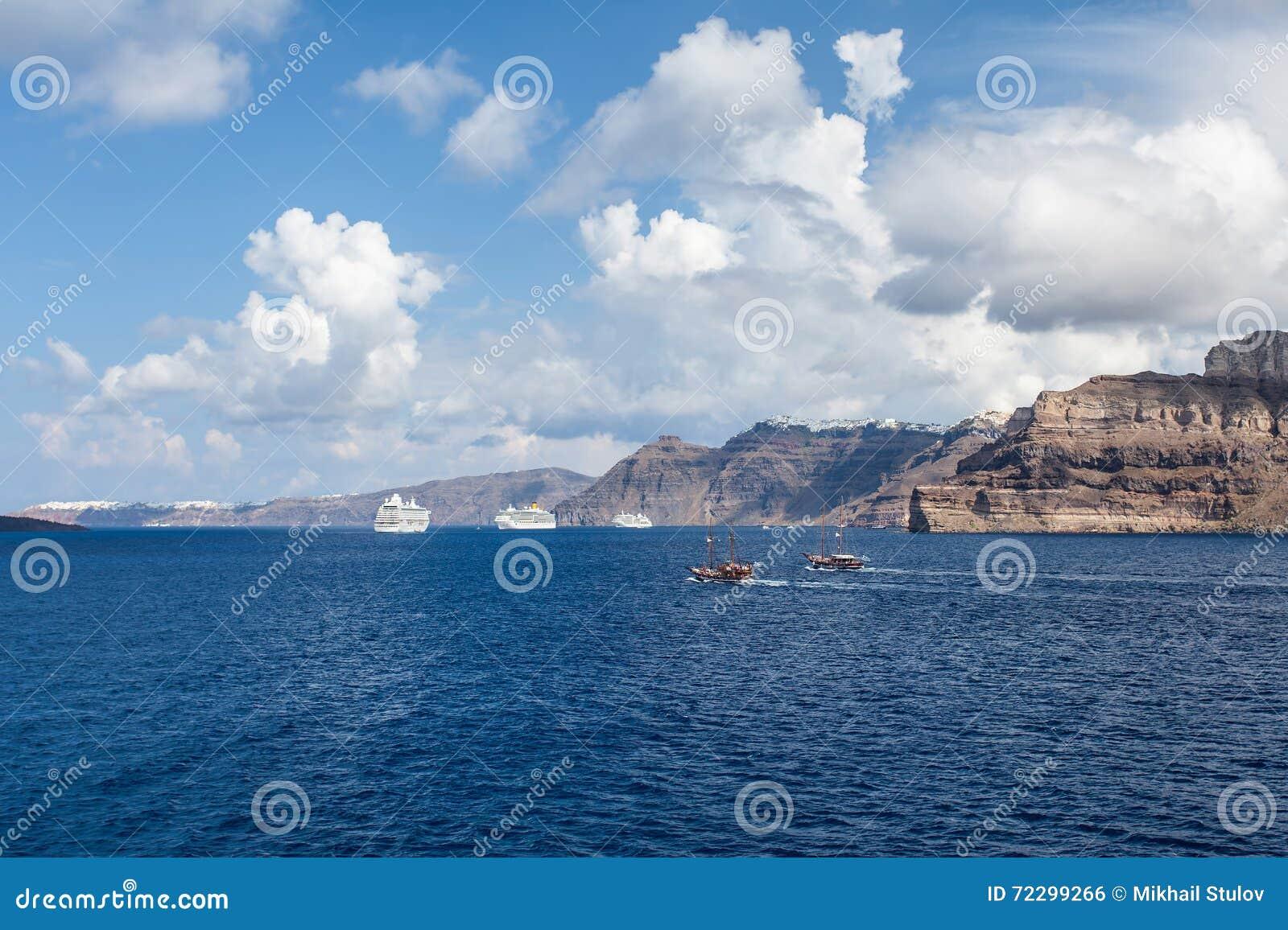 Download Кретски море в Греции стоковое фото. изображение насчитывающей ландшафты - 72299266