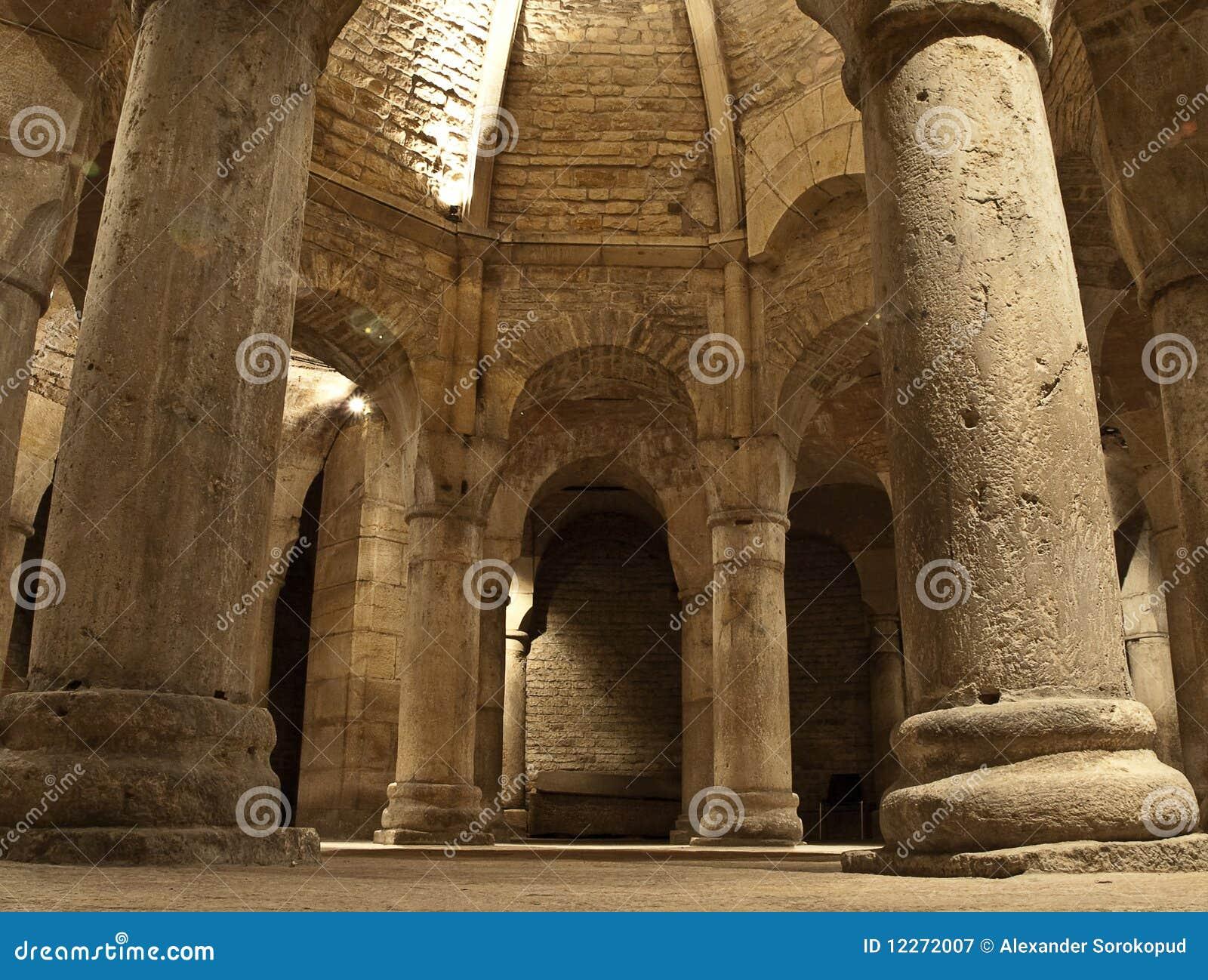 крипта аббатства старая