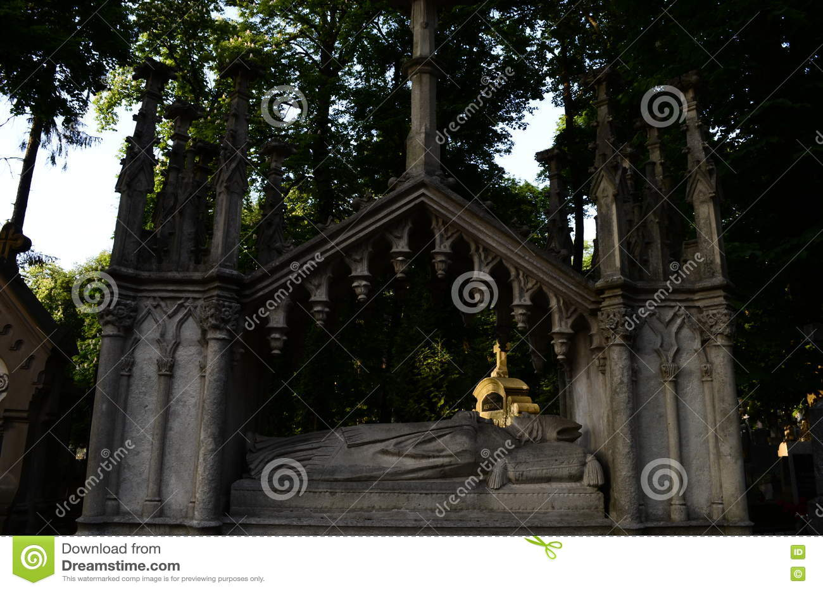 Крипта на музее кладбища