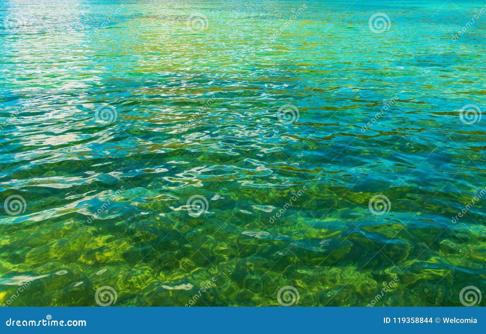 Кристл - ясная вода озера