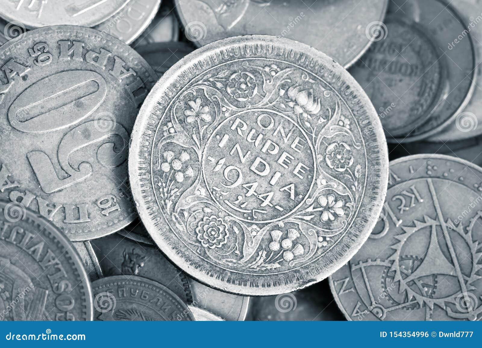Крупный план античных numismatic монеток