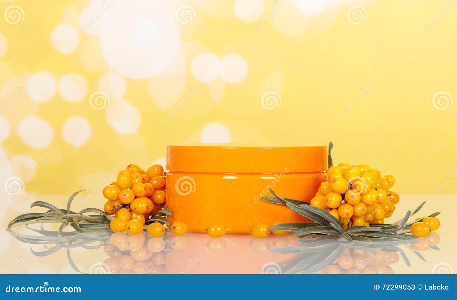 Download Крушина и опарник моря пуков с сливк на абстрактном желтом цвете Стоковое Изображение - изображение насчитывающей листья, внимательность: 72299053