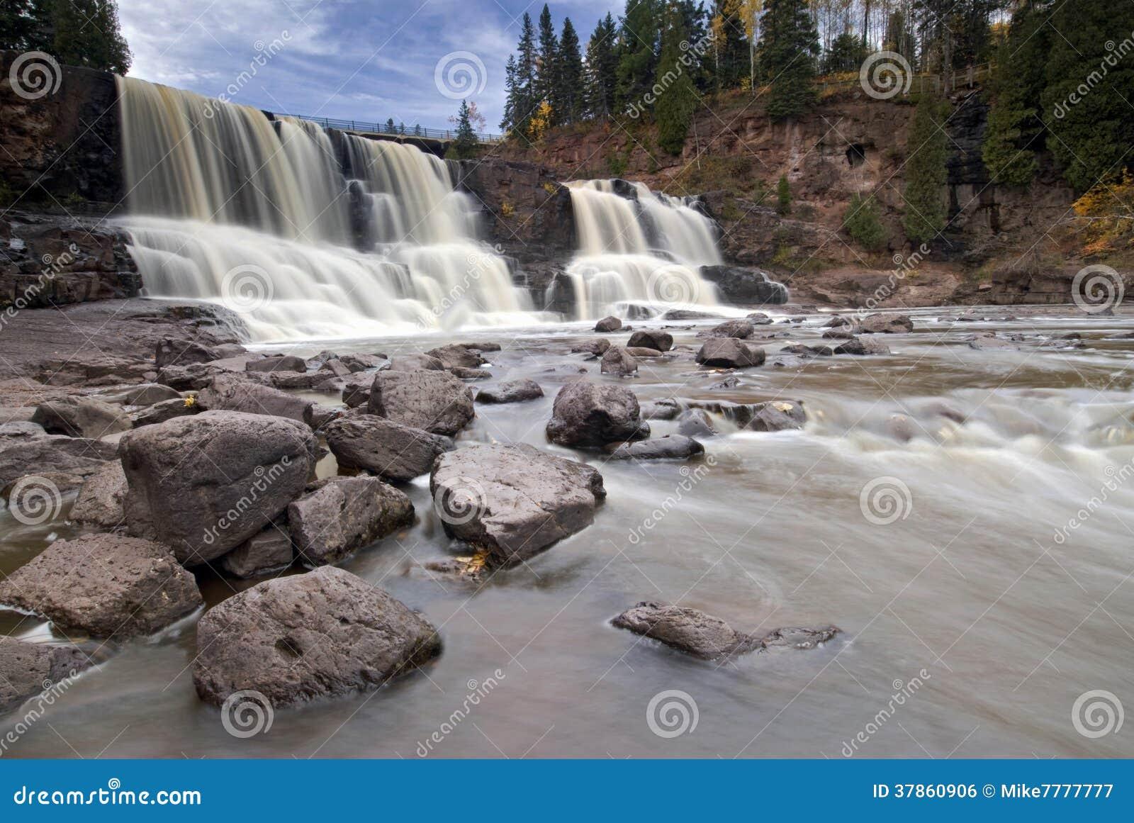 Крыжовник падает, северный берег, Lake Superior, Минесота, США