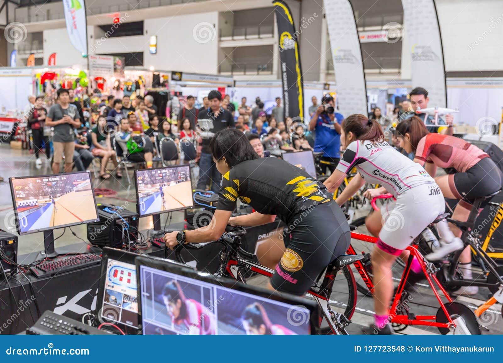 Онлайн игра велосипедные гонки гран при бразилии 2016 гонка онлайн