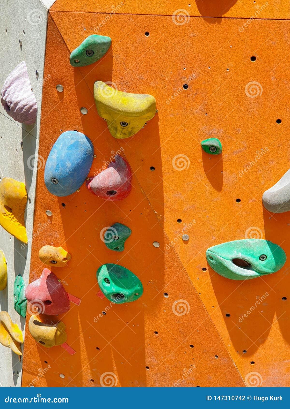 Крытые и на открытом воздухе спорт взбираясь каменная стена