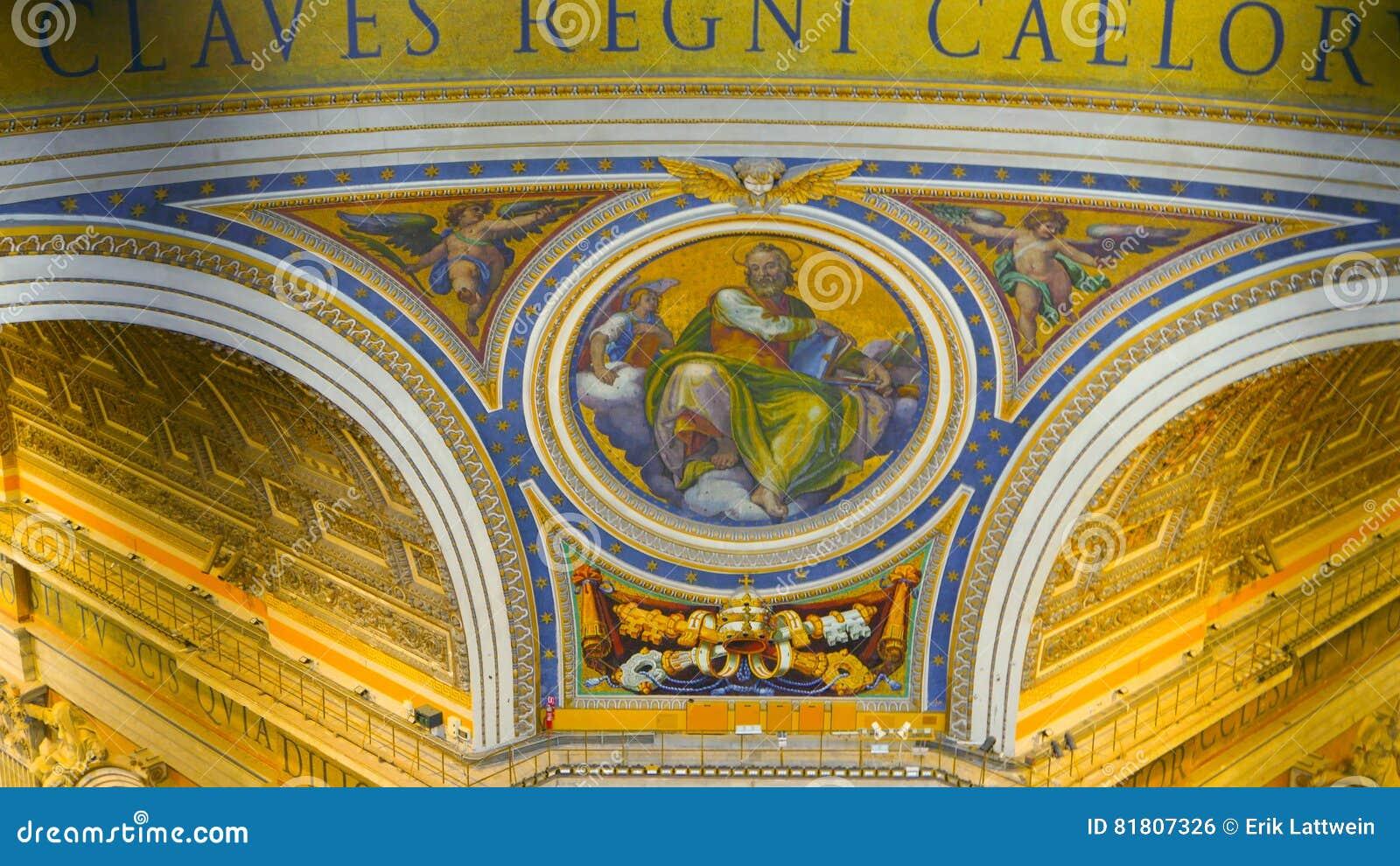 Крыша базилики St Peters на государстве Ватикан в Риме