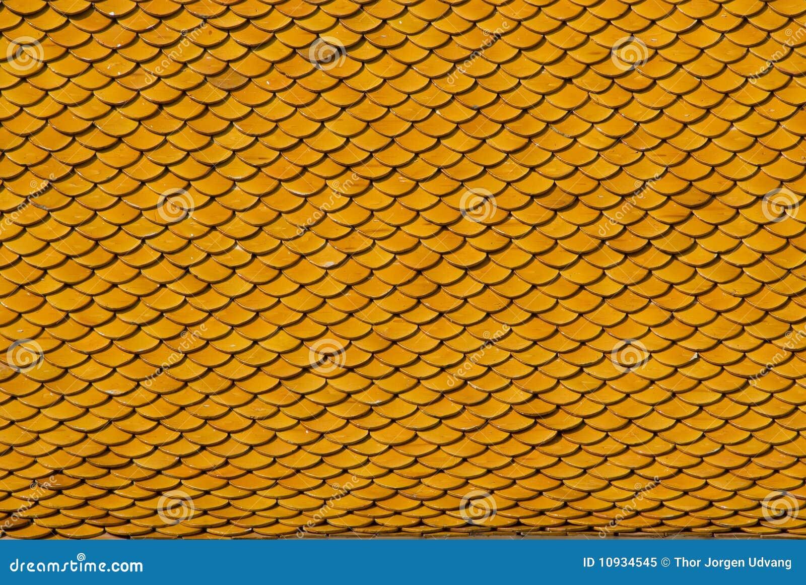 крыша крыла желтый цвет черепицей