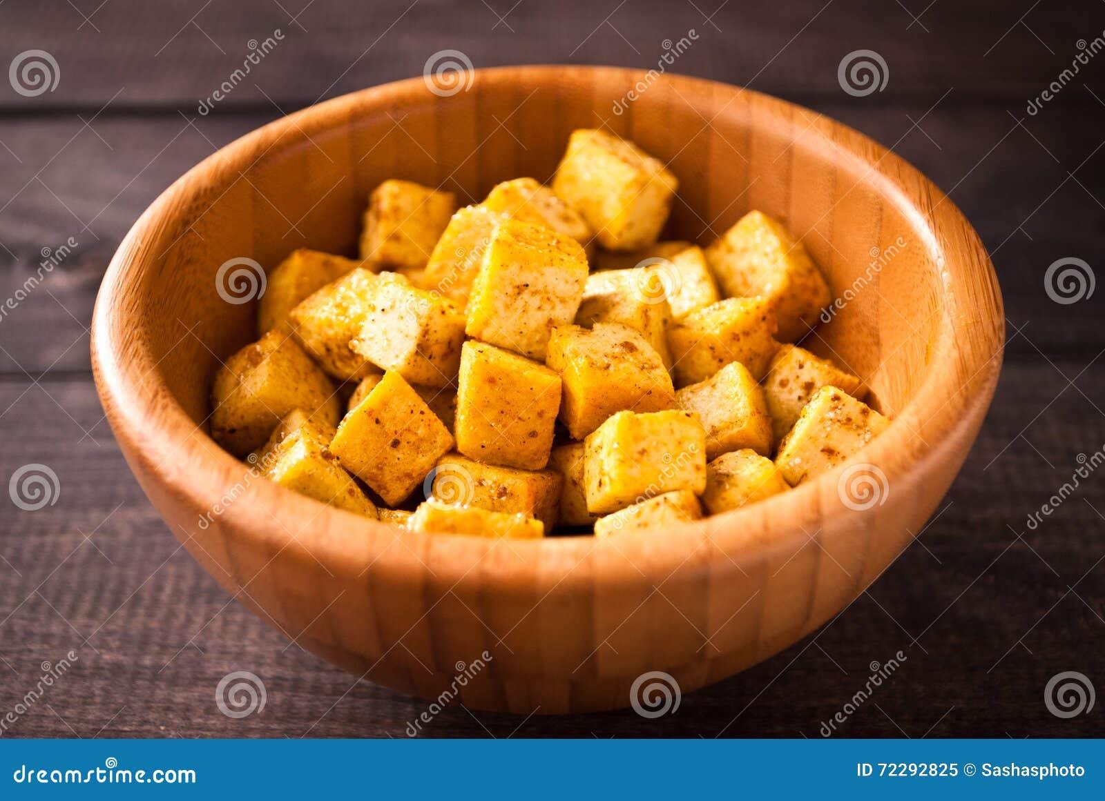 Download Кубы зажаренного тофу стоковое изображение. изображение насчитывающей backhoe - 72292825