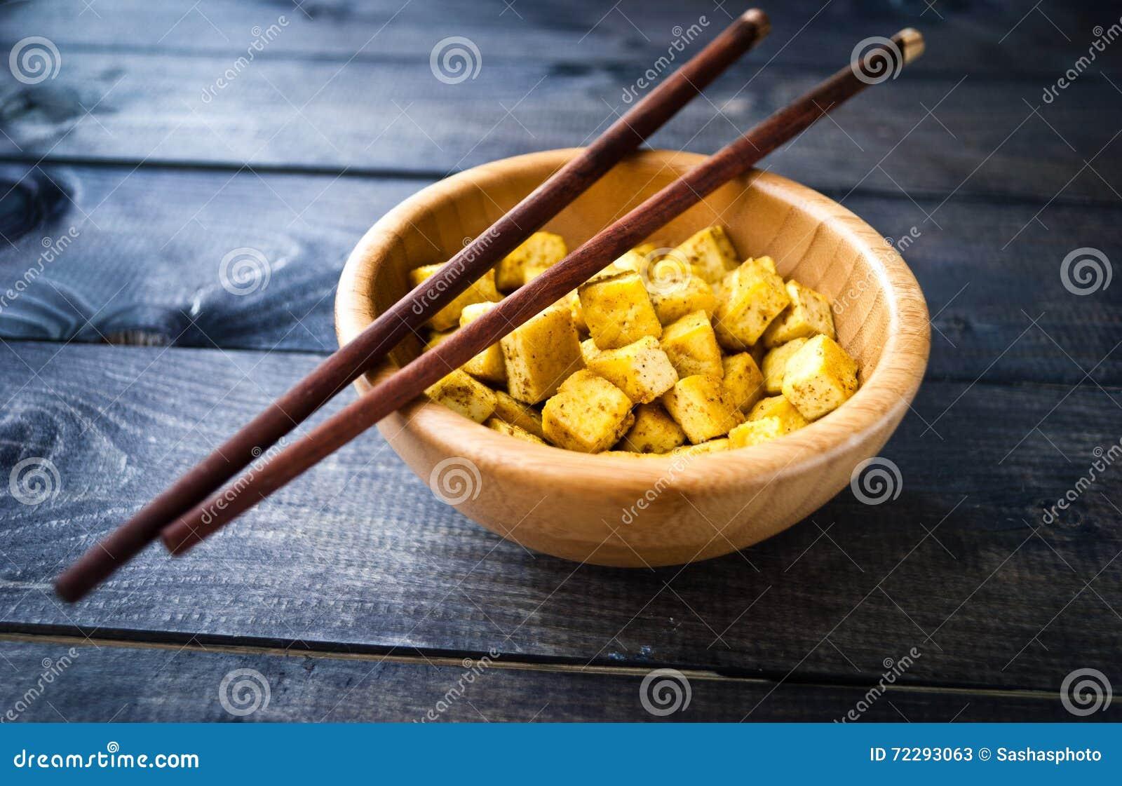 Download Кубы зажаренного тофу стоковое изображение. изображение насчитывающей природа - 72293063