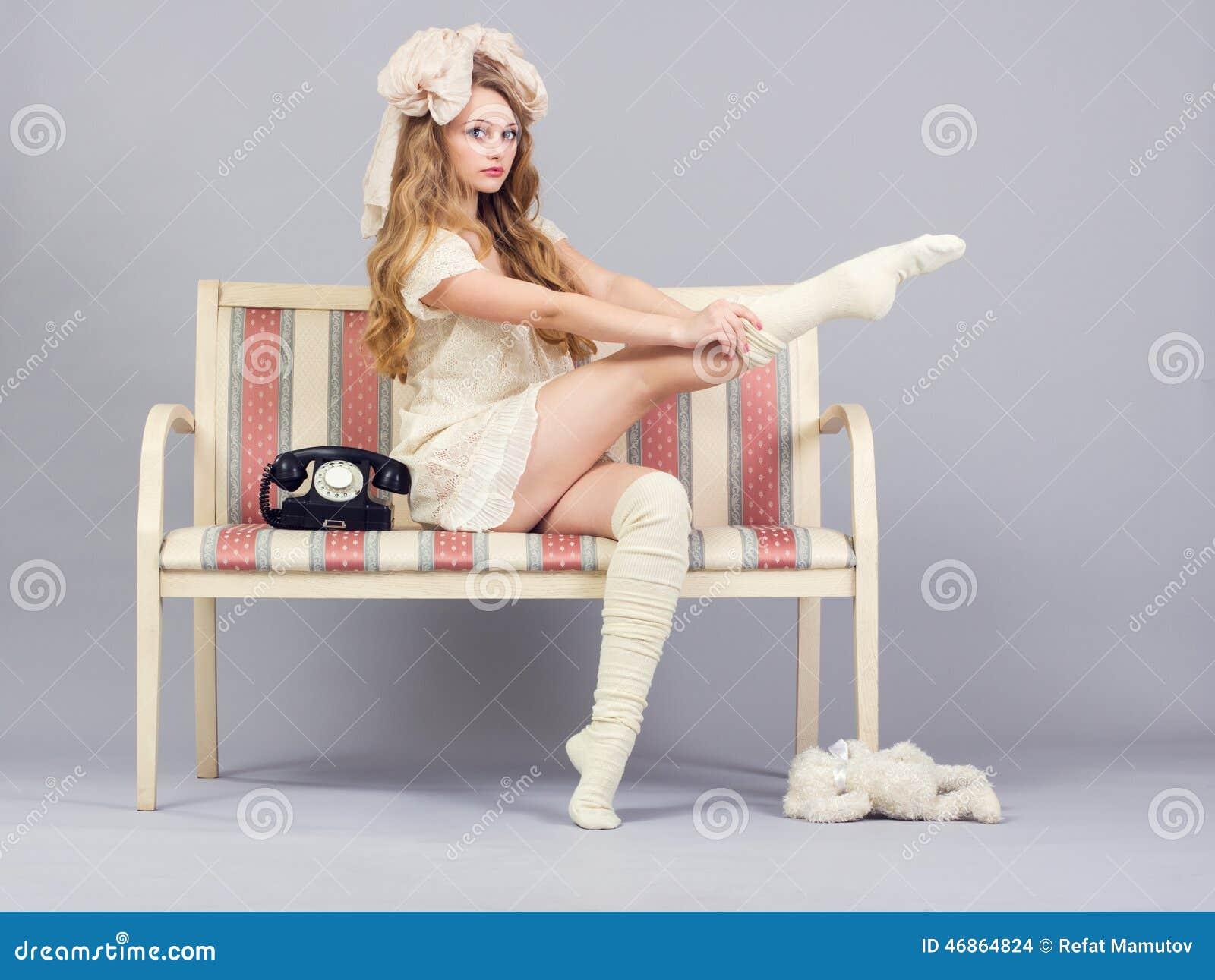 Фото девушки на кресле 21 фотография
