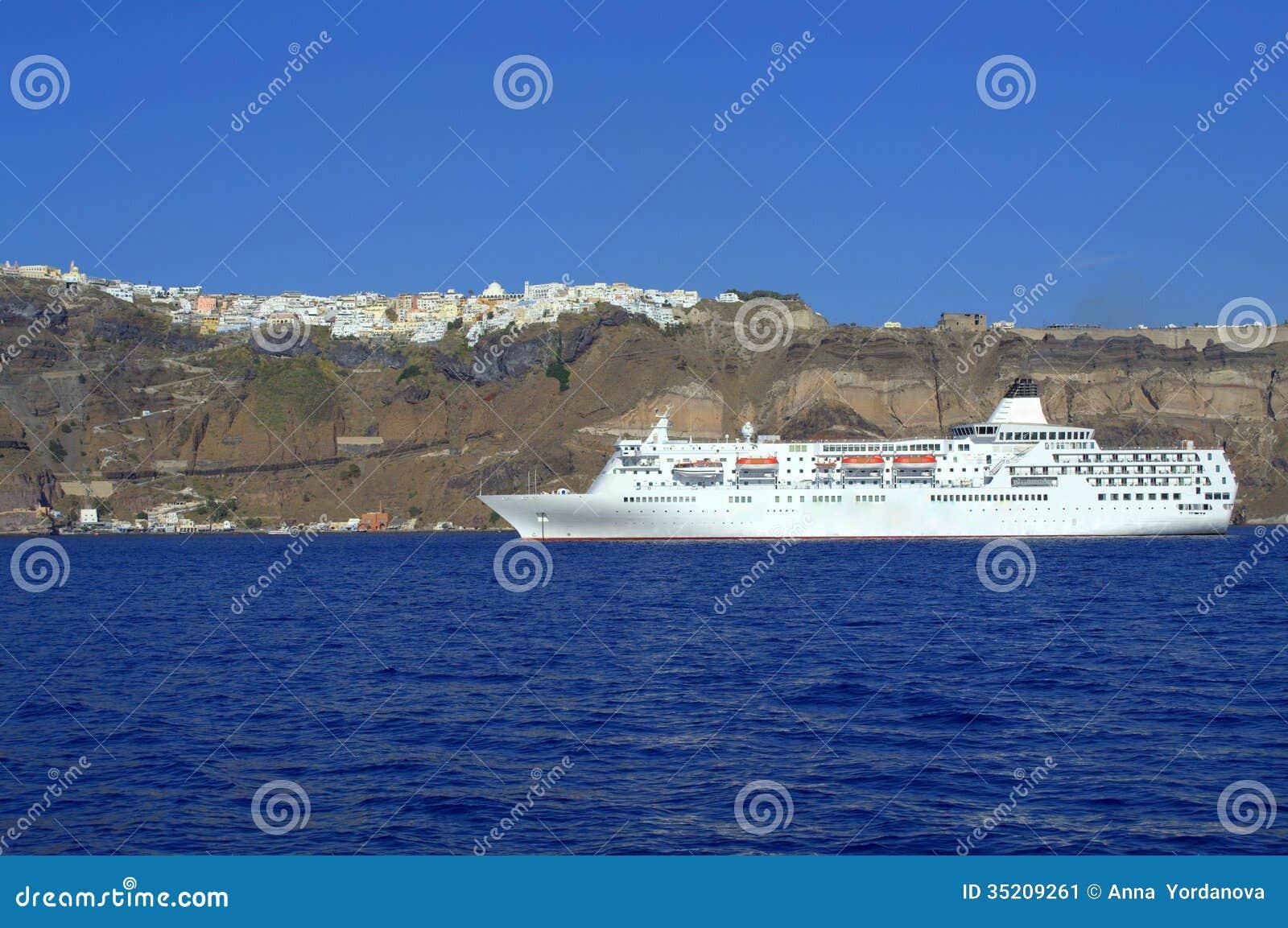 Рейс к Santorini, Греции