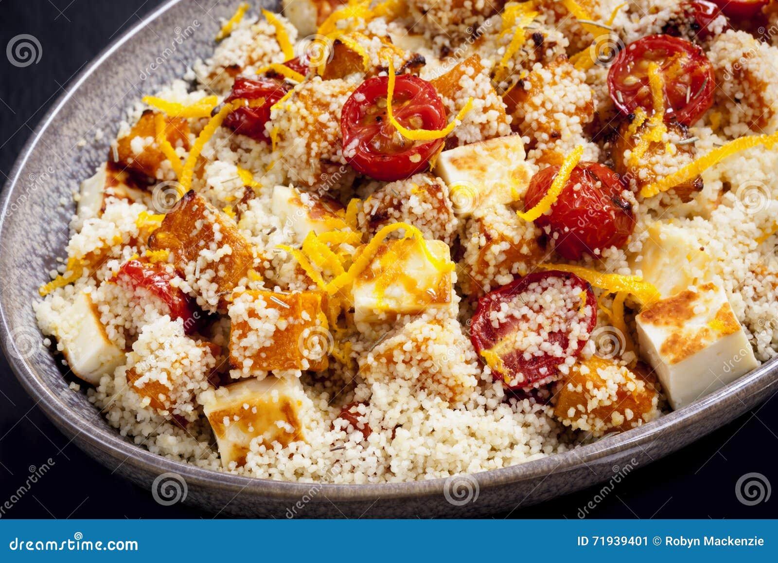Кускус с томатами и Halloumi тыквы