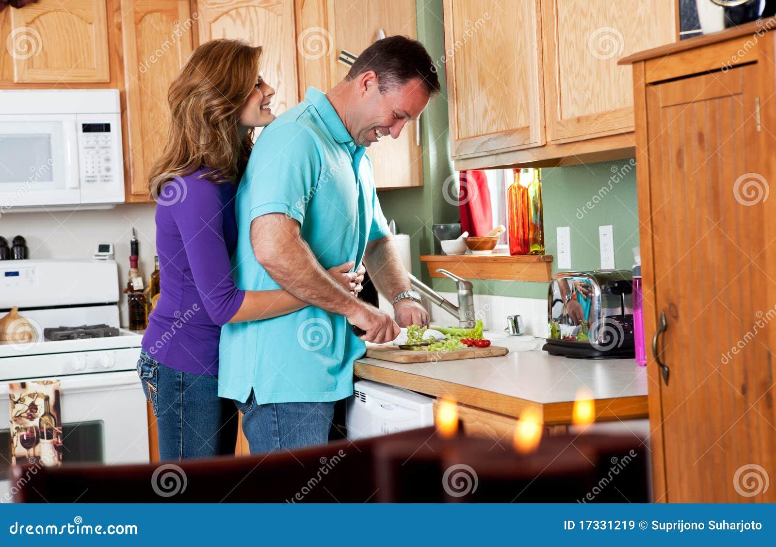 Секс на кухне в гостях, Порно на Кухне, смотреть видео Секс на Кухне 19 фотография