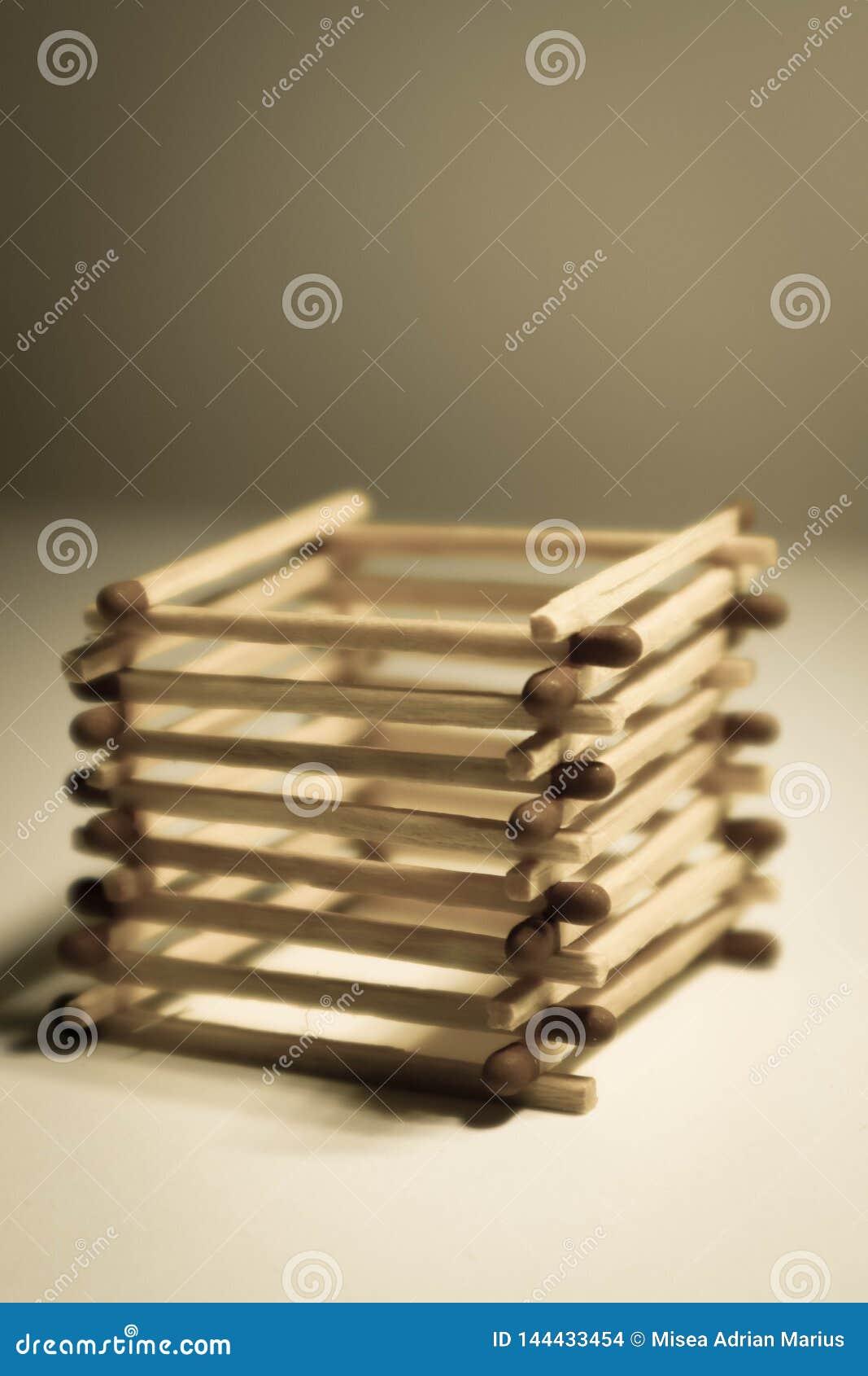 куча спичек безопасности aranged как куб