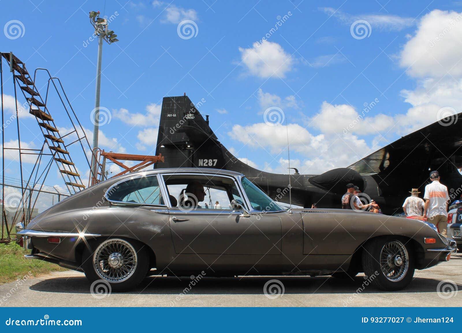 Классический припаркованный jag