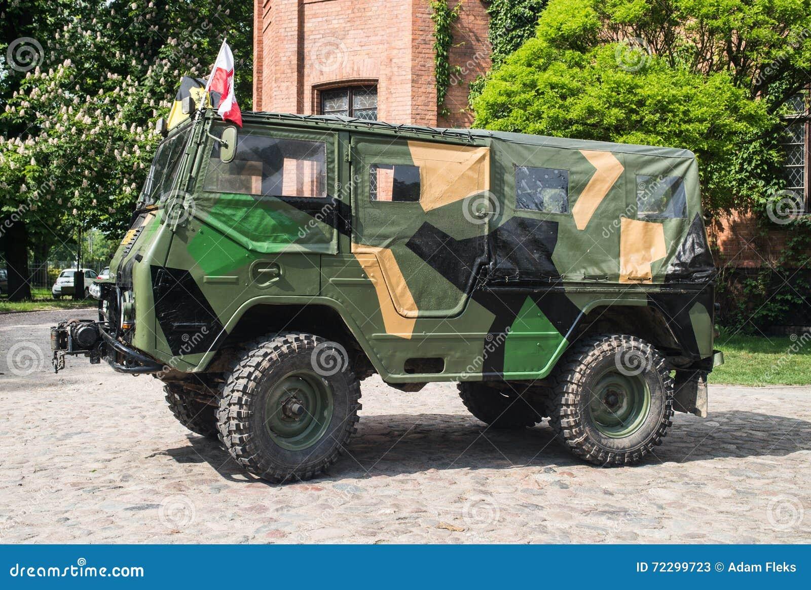 Download Классический шведский воинский автомобиль Volvo Редакционное Стоковое Фото - изображение насчитывающей цвет, бампер: 72299723