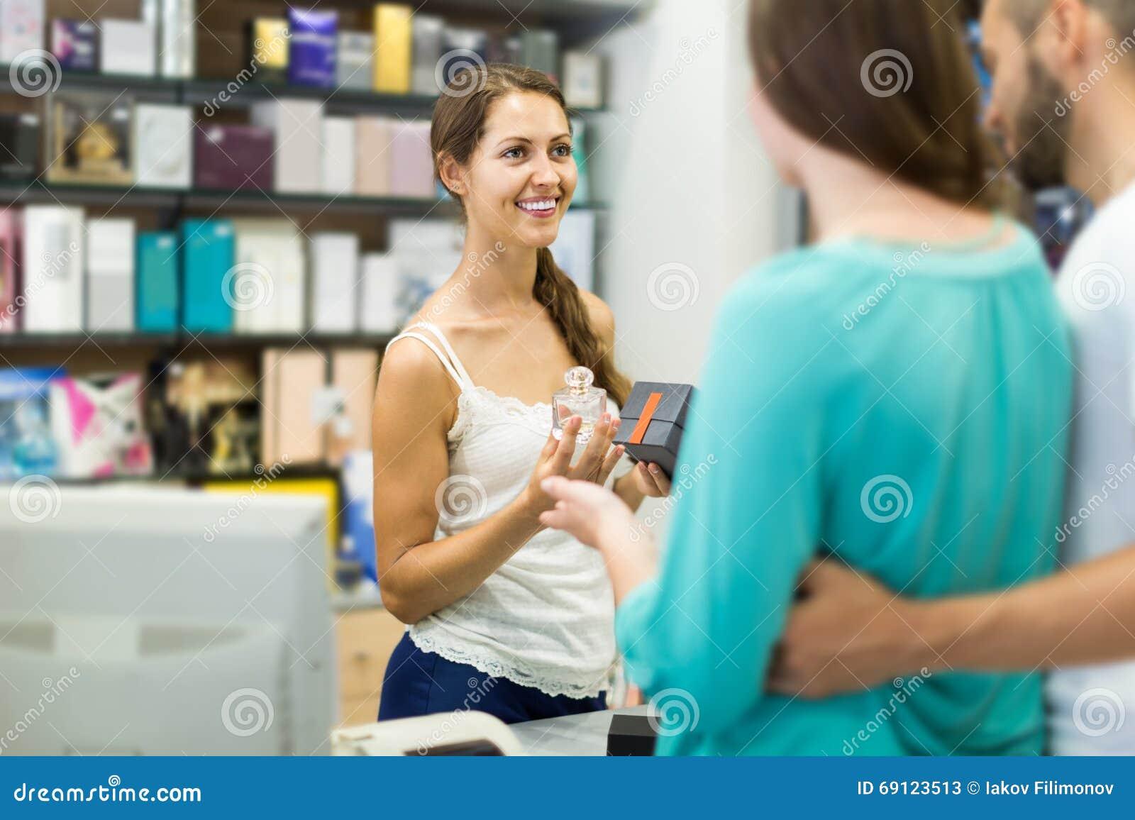 Клиент на оплачивать магазина