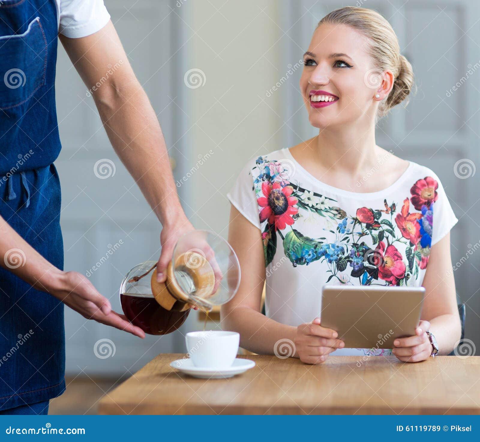 Клиент сервировки кельнера