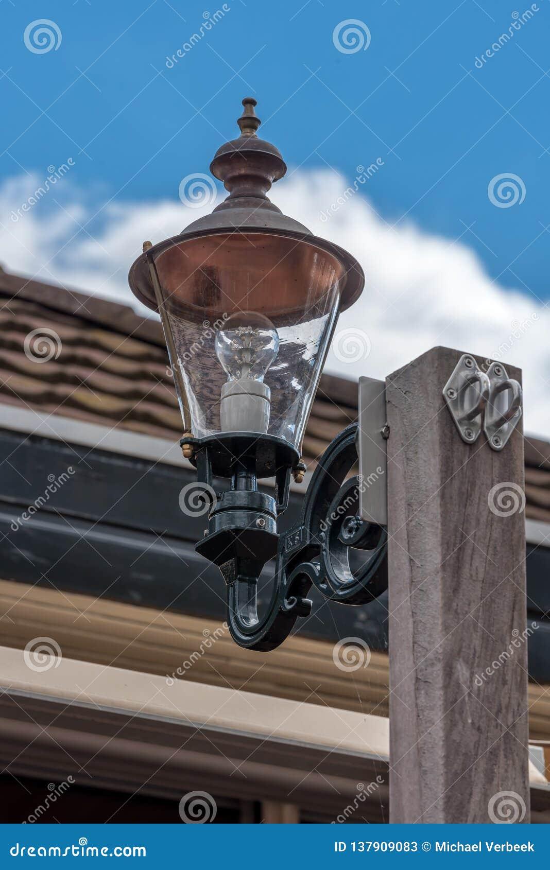 Лампа СИД на поляке