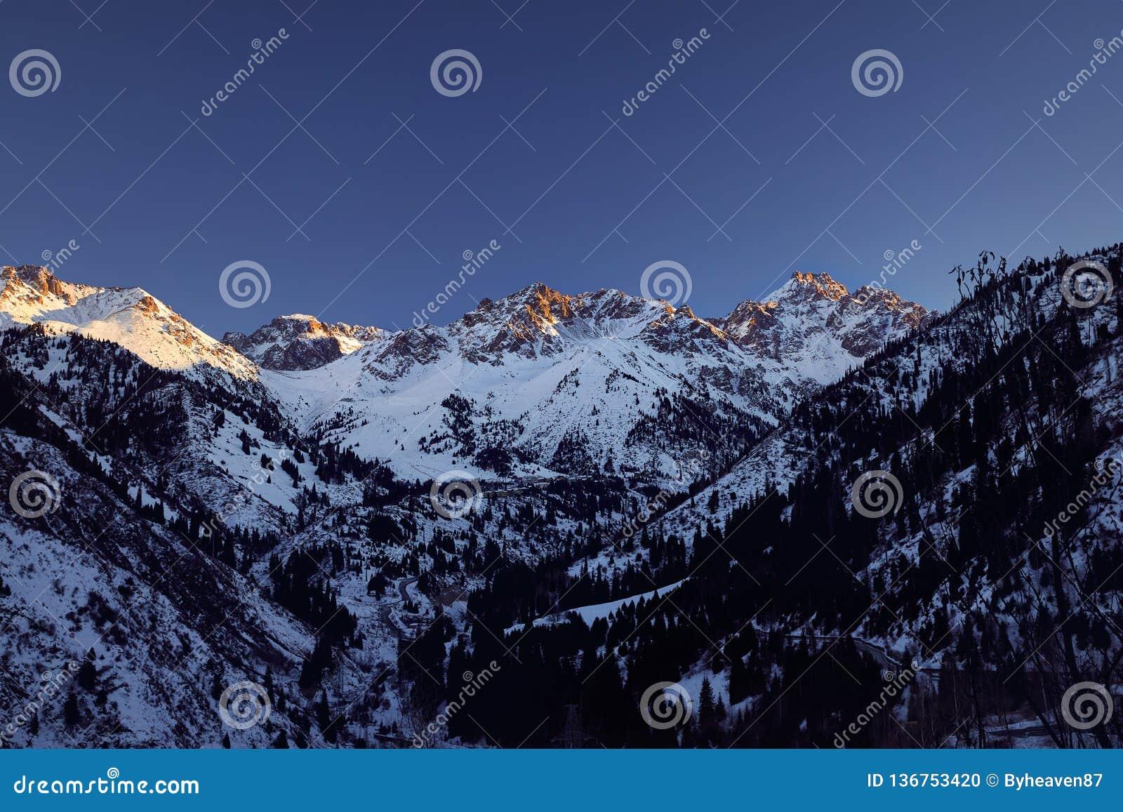Ландшафт гор на зиме