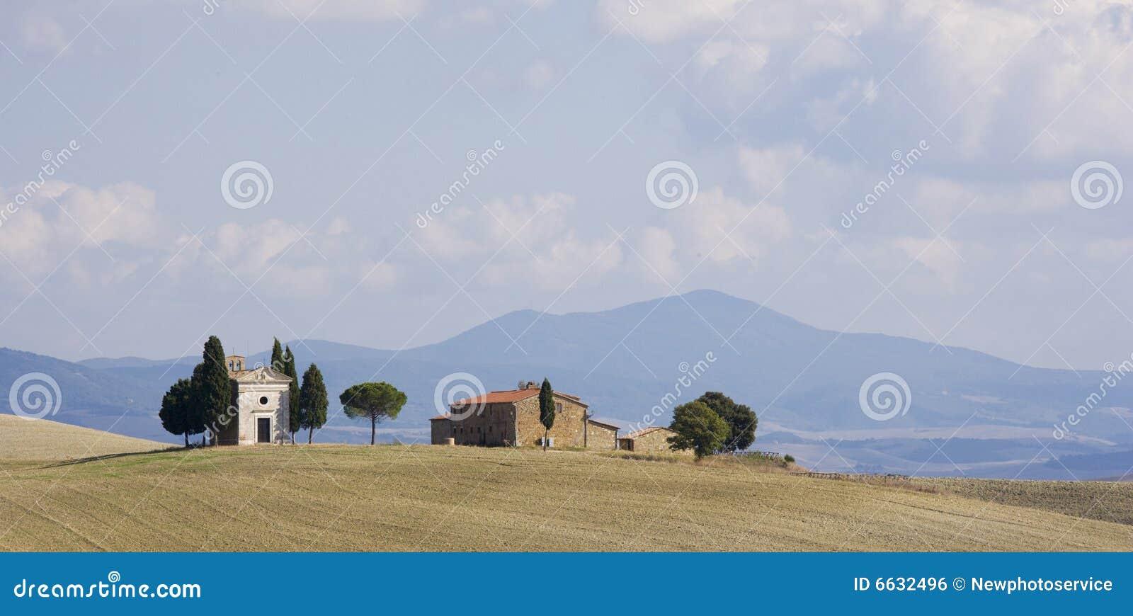 ландшафт изолированный фермой tuscan