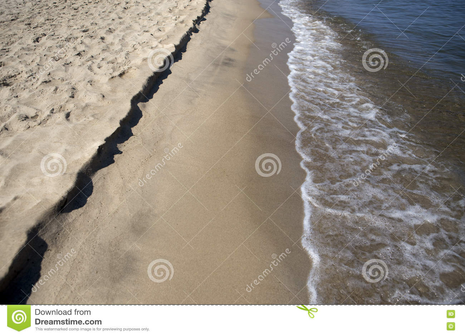 Download Ландшафт моря и пляжа стоковое изображение. изображение насчитывающей coast - 72275417
