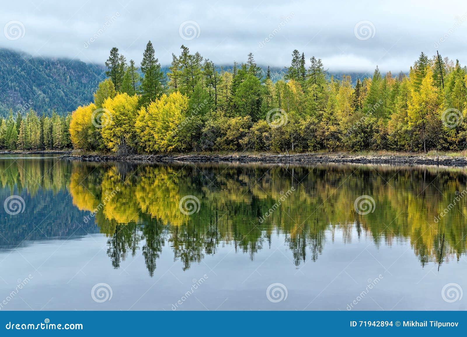 Ландшафт осени на озере Olon Nur