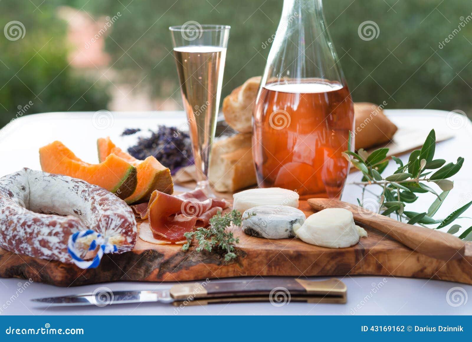 Ла Провансаль плиты a ветчины сыра