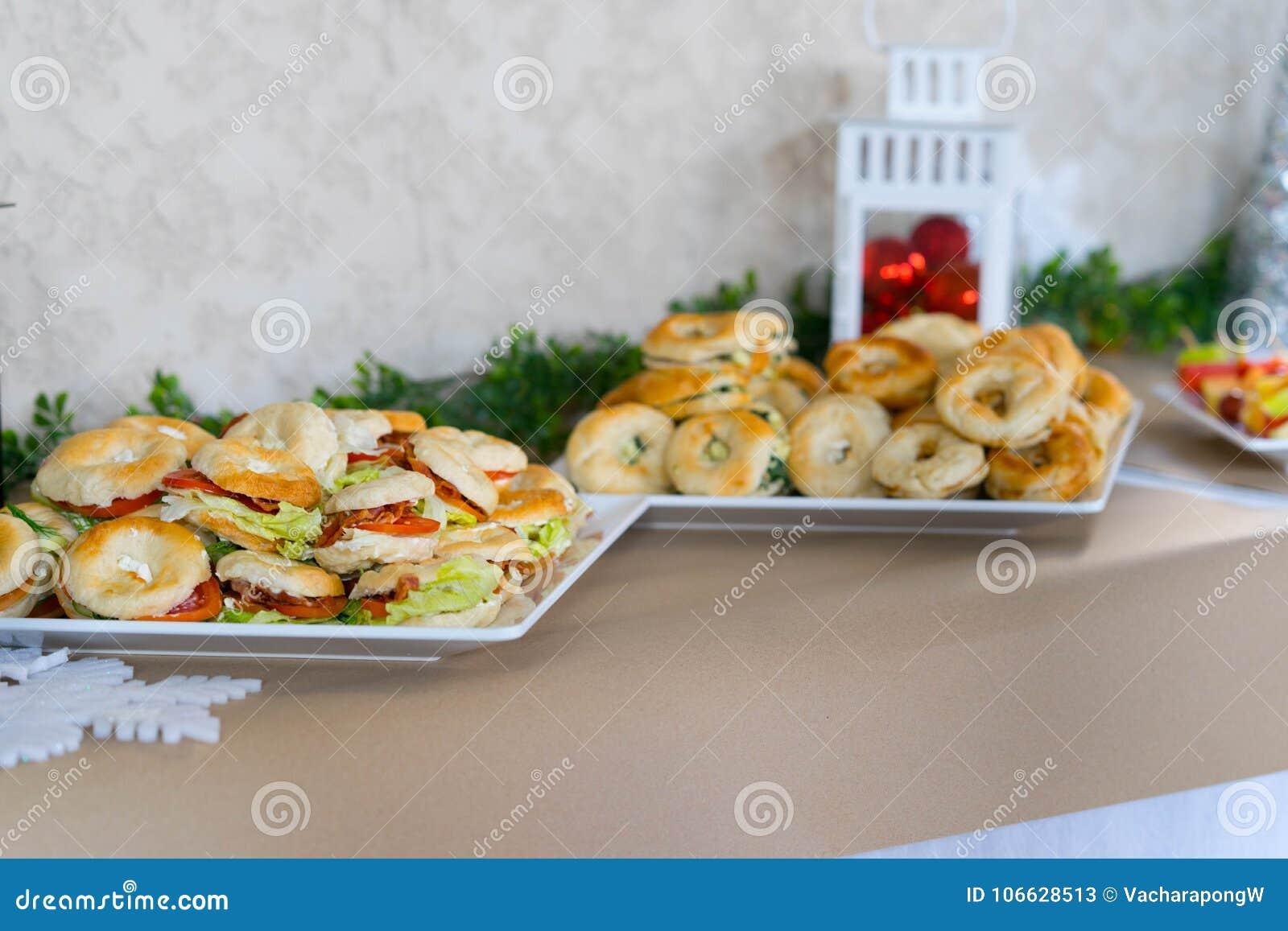 Легкая закуска и плодоовощ для партии для партии