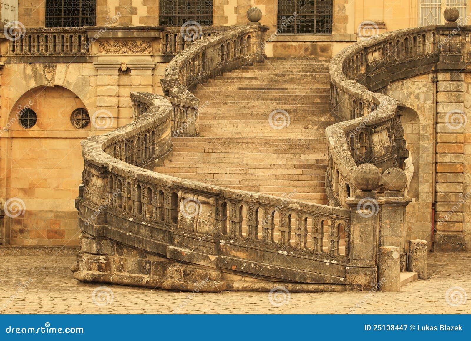 лестница fontainebleau замка