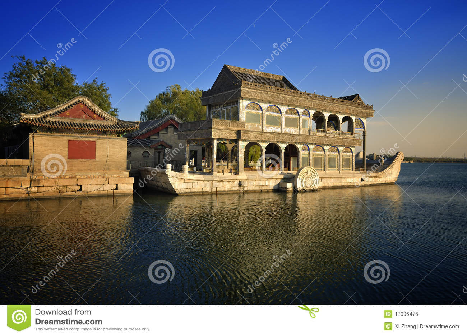 лето дворца озера шлюпки Пекин