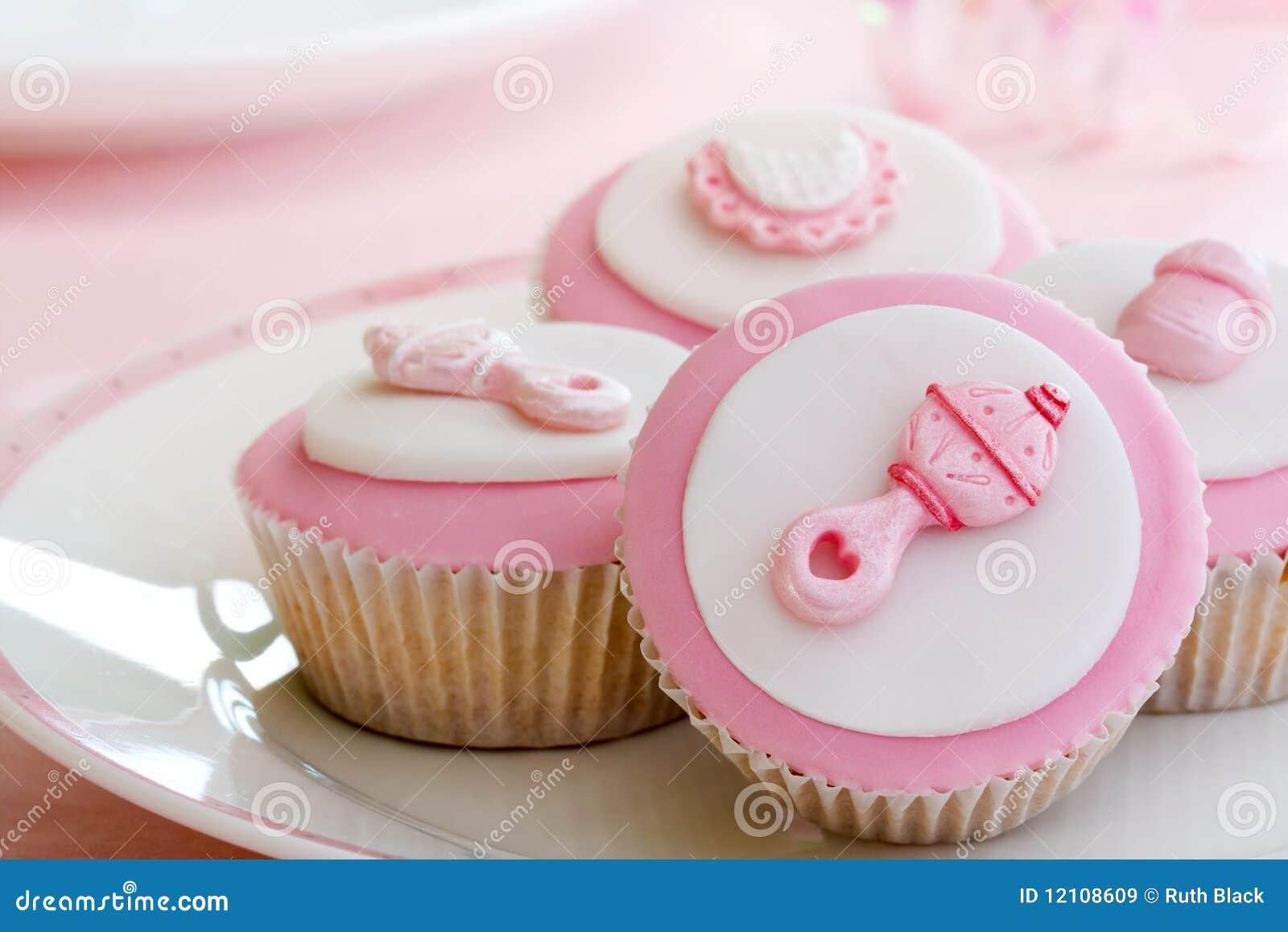 ливень пирожнй младенца