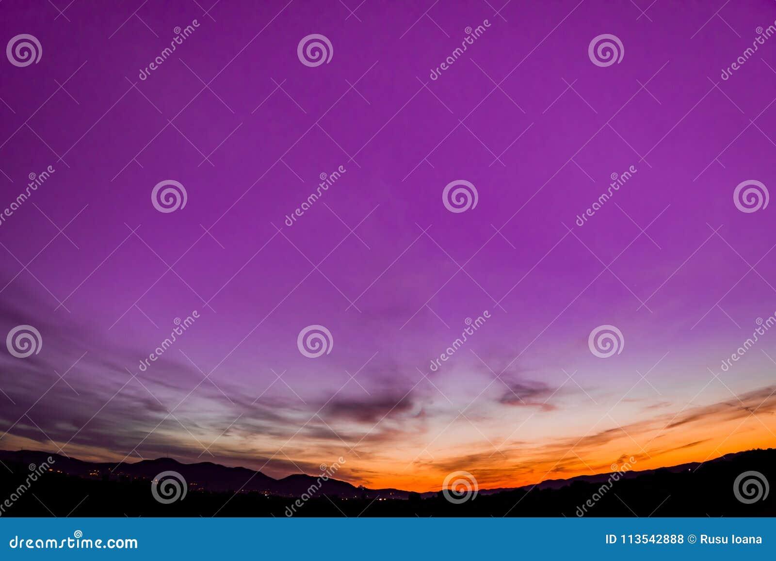 Лиловый заход солнца