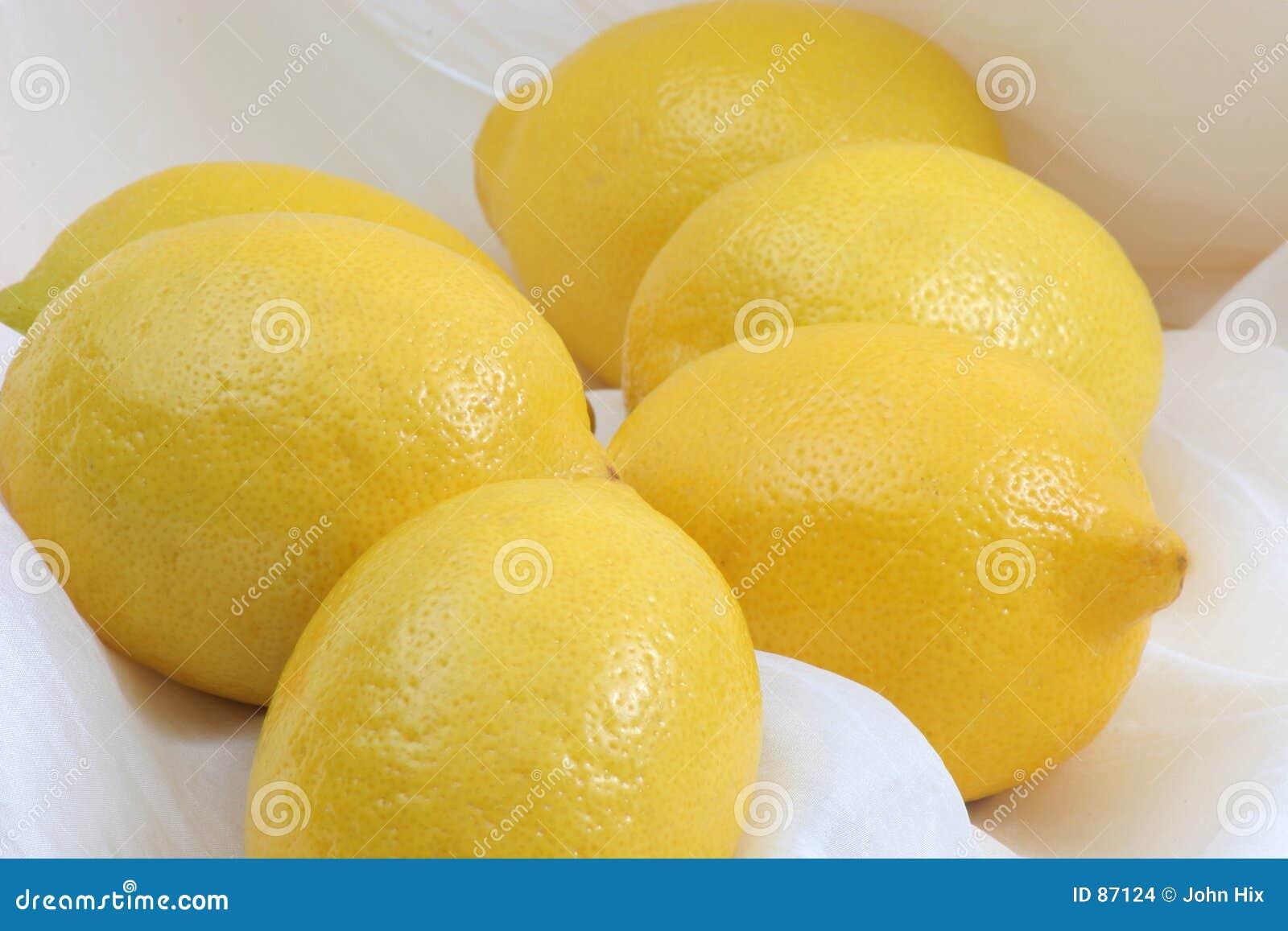 лимон пука
