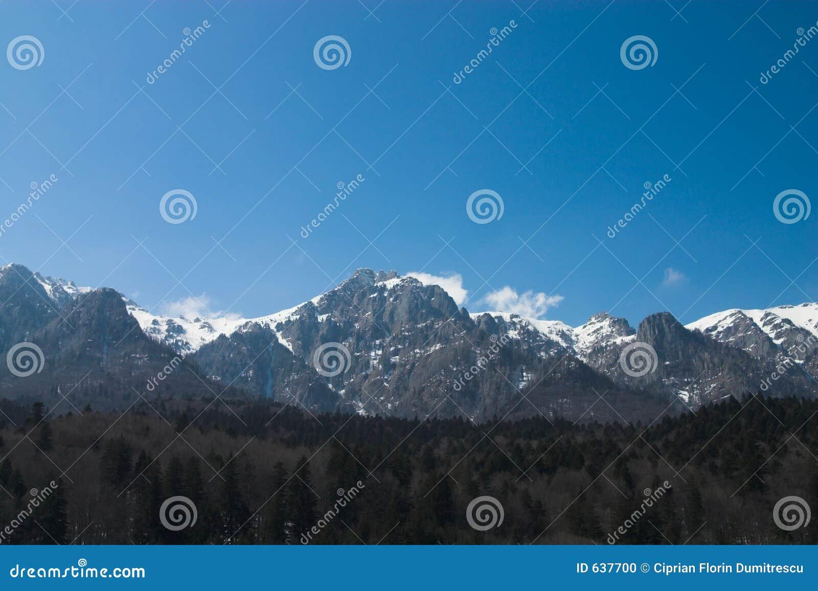 Download линия гора стоковое фото. изображение насчитывающей гора - 637700