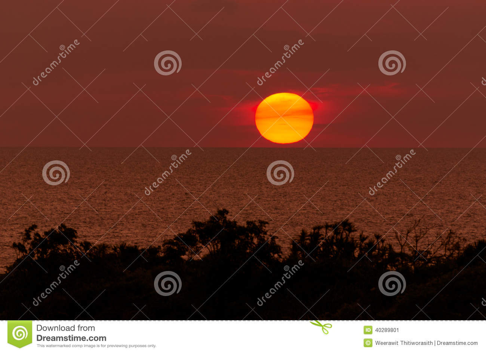 Линия горизонта солнца касающая