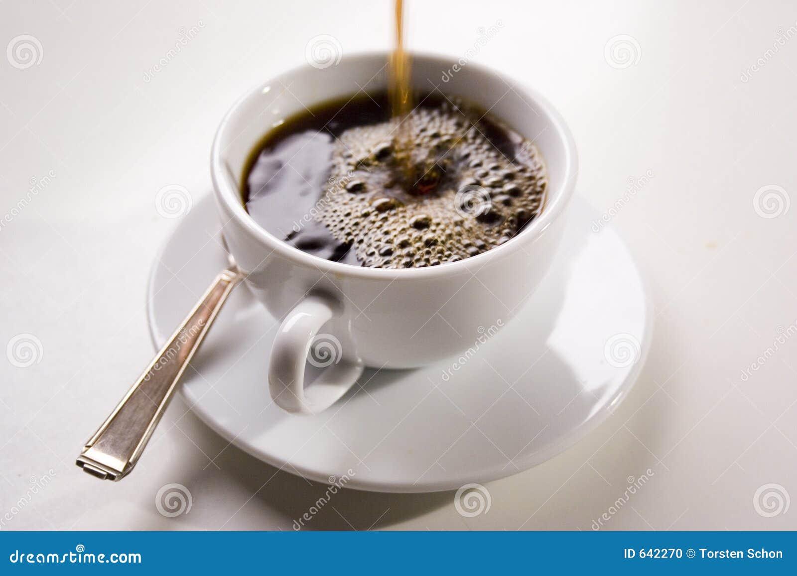 Download лить кофе стоковое фото. изображение насчитывающей горяче - 642270