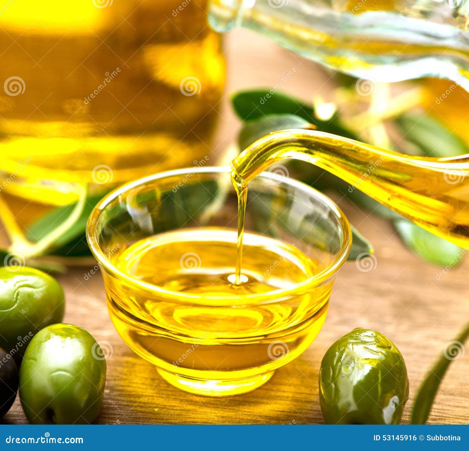 Лить оливкового масла девственницы