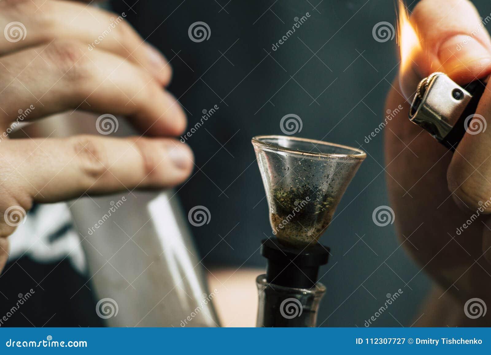 Курить коноплю из кальяна как выводиться из организма конопля