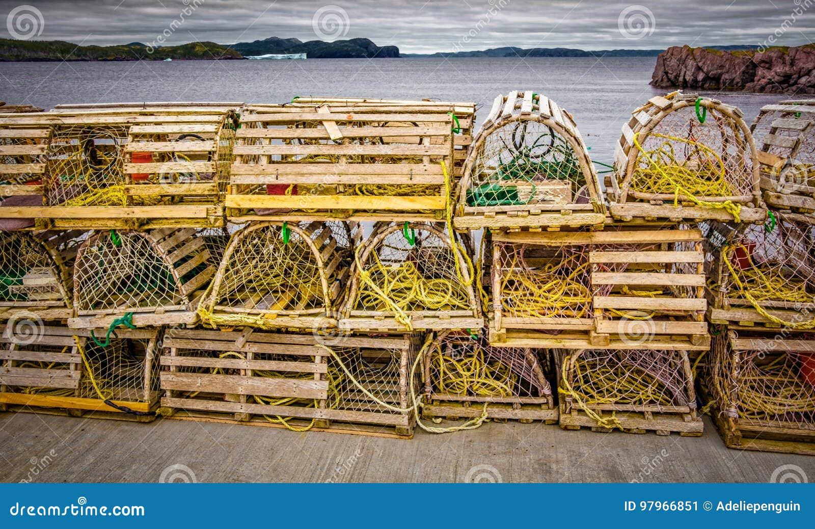 Ловушки омара, прибрежный Ньюфаундленд, Канада