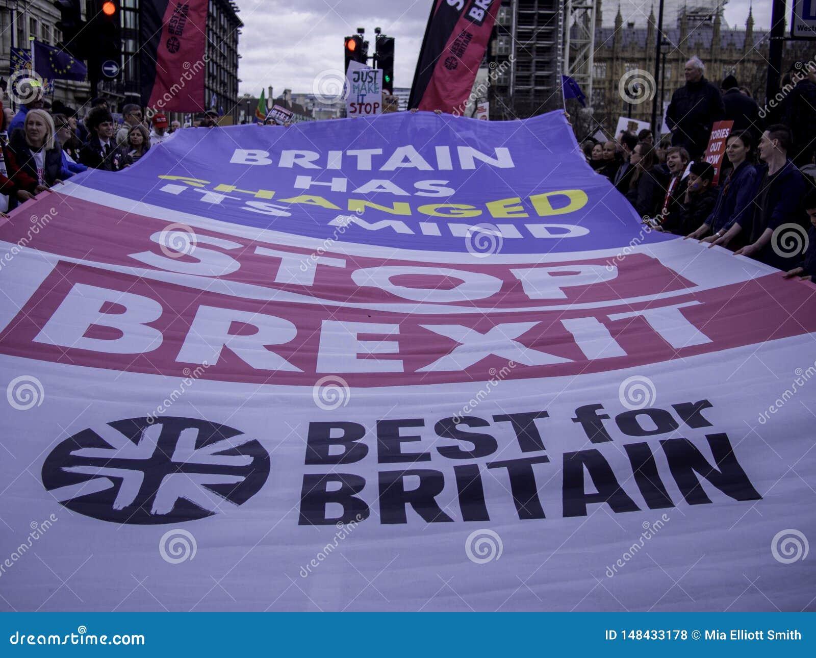 Лондон, Великобритания - спичка 23, 2019: Самое лучшее для campainers Британии социальных протестуя против Brexit