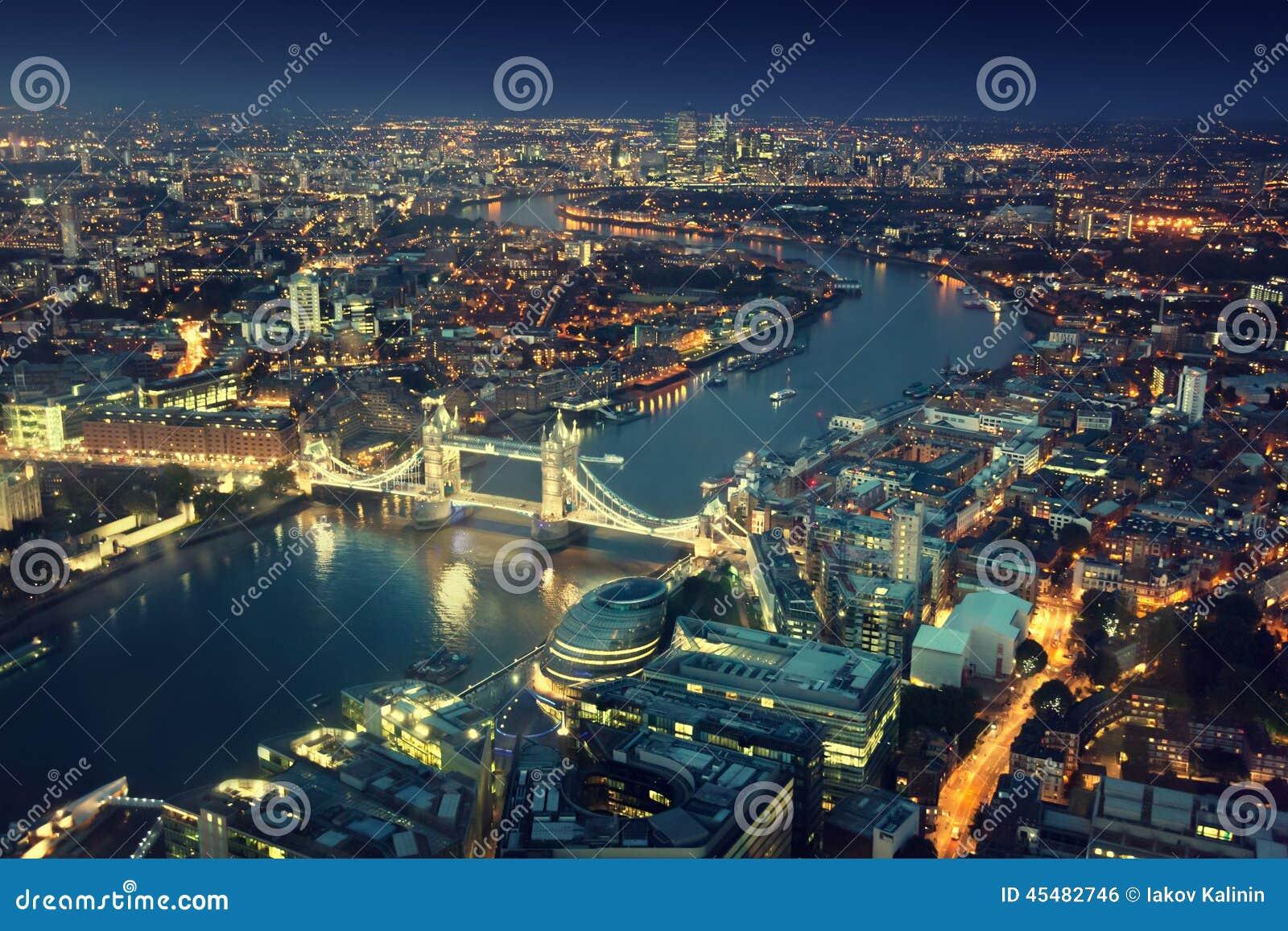 Лондон на ноче и мосте башни