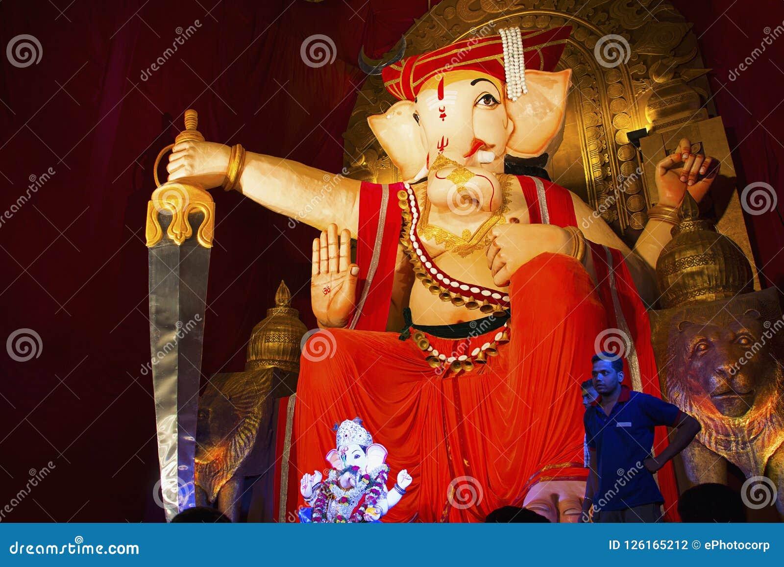 Лорд Ganesha, фестиваль Ganesh, тема Jai Malhar, Пуна, Индия
