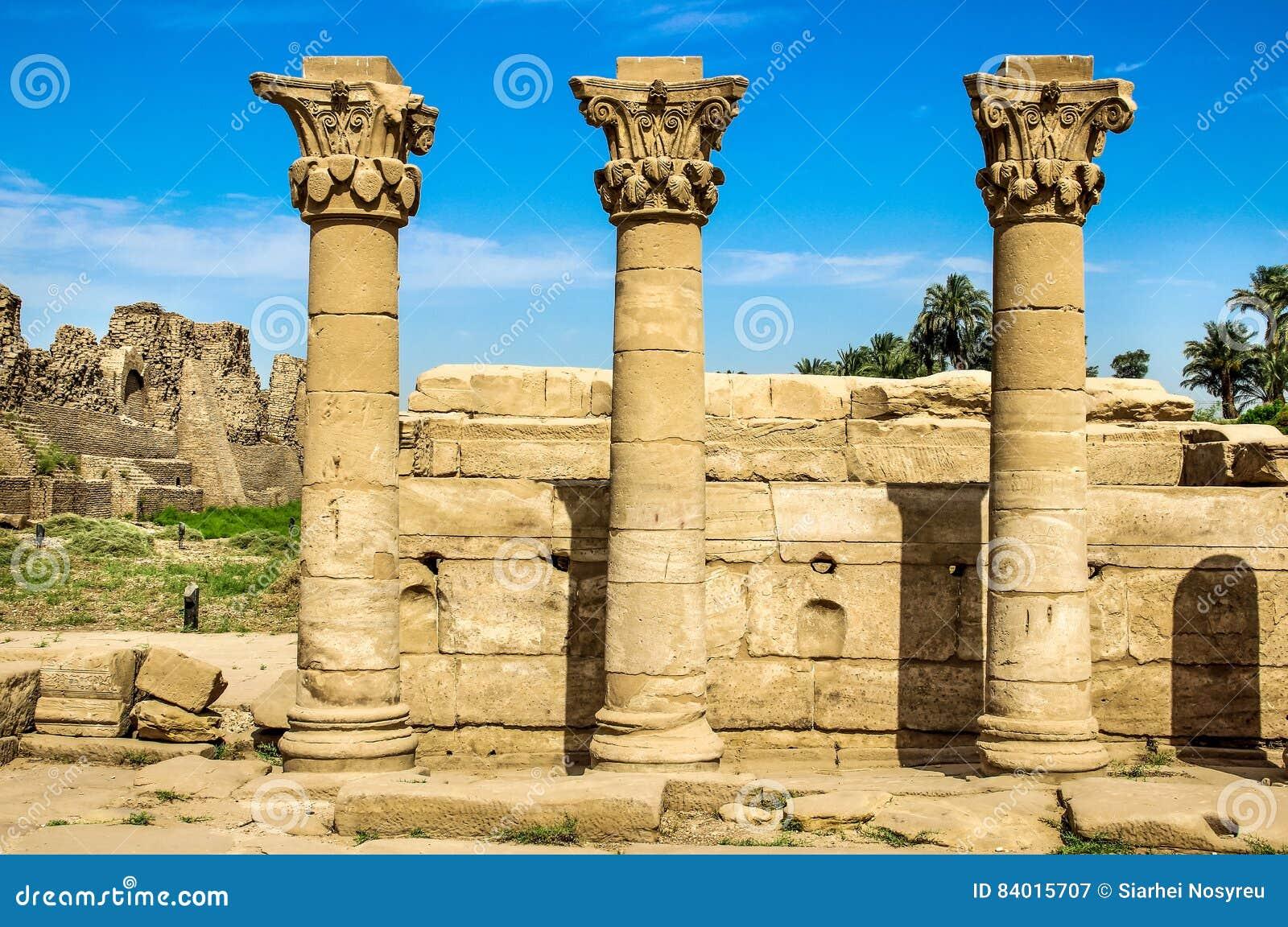 Луксор, комплекс виска Karnak столбец Египет старинное здание, руины стопа, штендеры