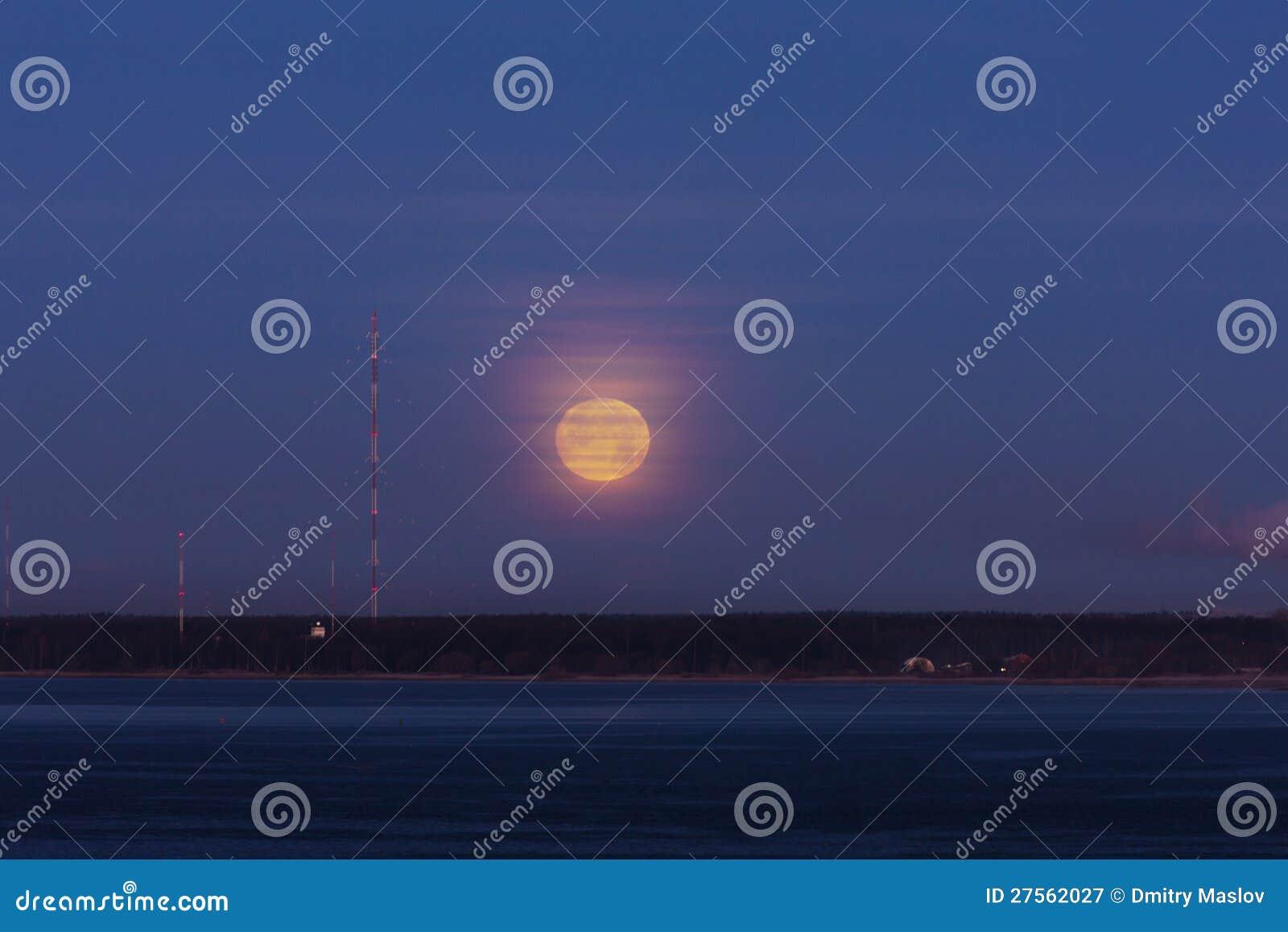 Луна дурачка утра