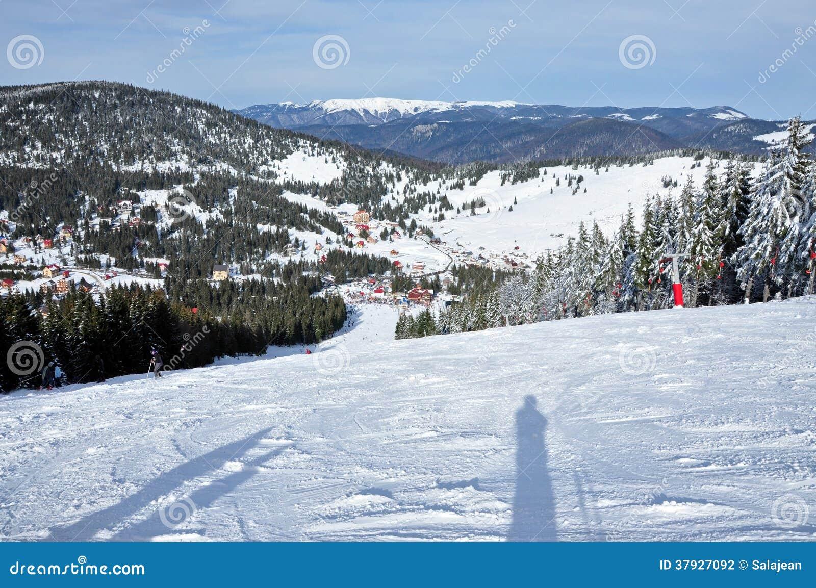 Лыжный курорт в горах