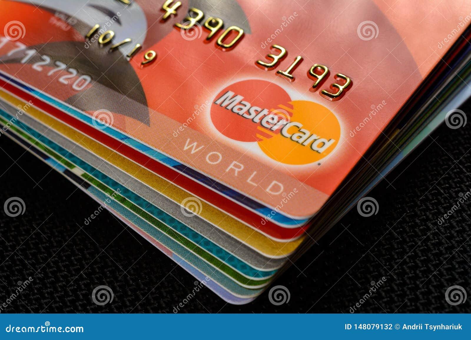Быстрый кредит на карточку украина