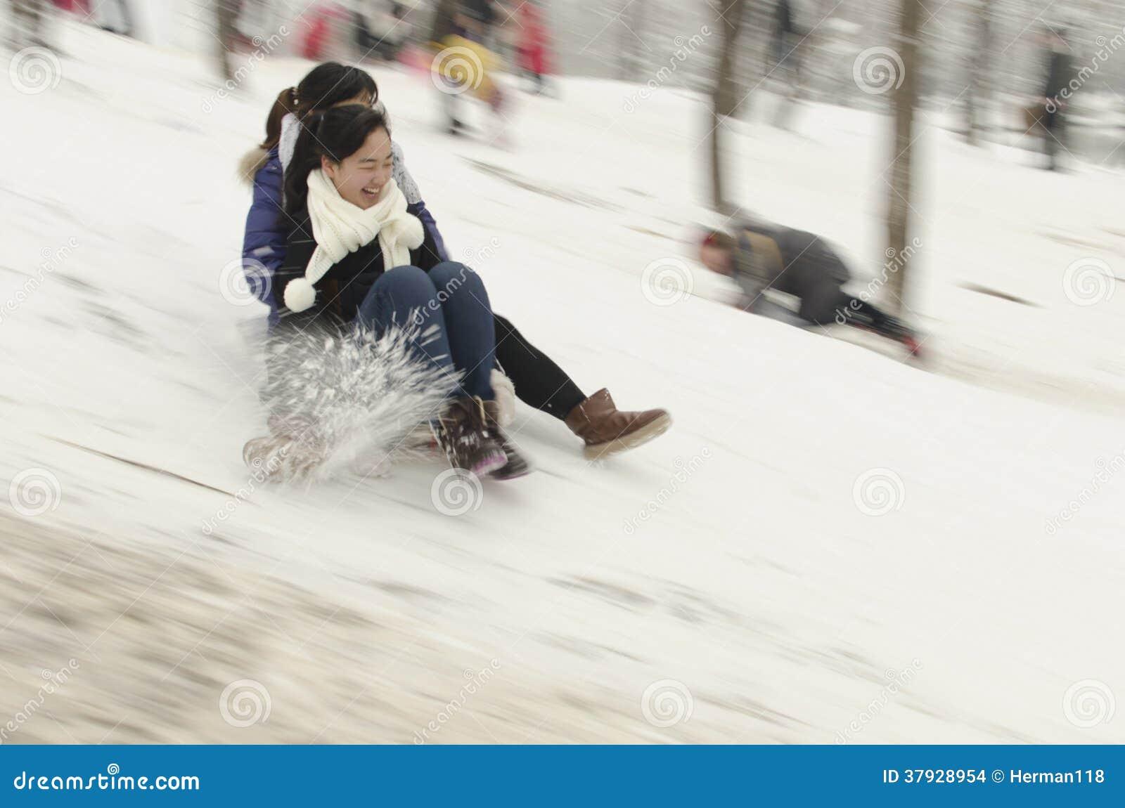 Люди на снеге